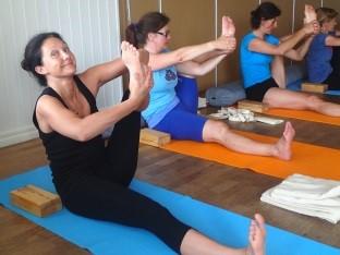 Yogaklass på Fotö